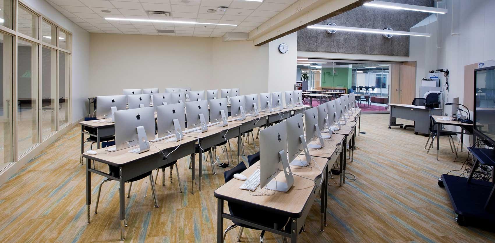 Andersen United Community School Computer Lab